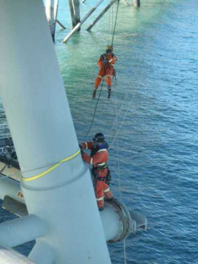 KAEFER Surface preparation rope access technicians